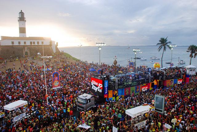 Carnaval de Salvador terá trio elétrico com energia solar
