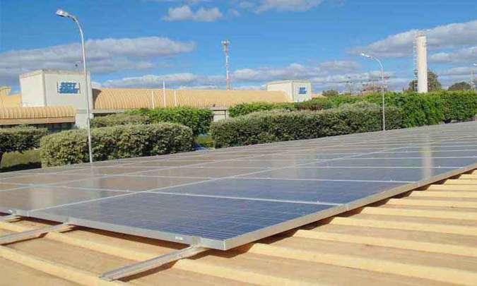 Usina solar no Sest/Senat, em Montes Claros, no Norte de Minas: crescimento da produção de eletricidade leva à necessidade de nova regulamentação
