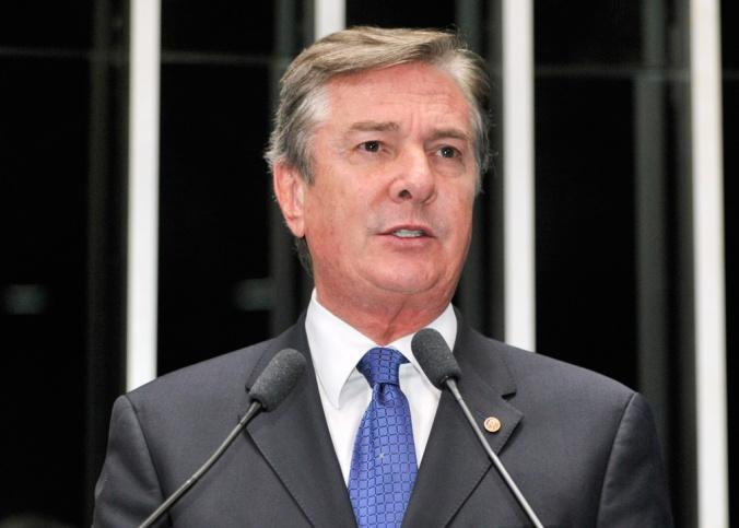 Projeto de autoria do senador Fernando Collor foi aprovado nesta terça