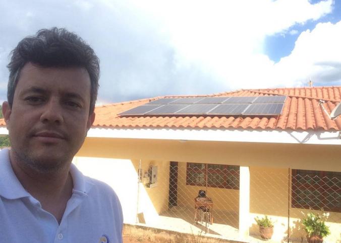 Humberto Jantim Neto produz a própria energia com paineis solares, na cidade de Piedade, interior de São Paulo Foto: Humberto Jantim/Arquivo pessoal